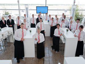 »Achtung, eine Durchsage: Wir erwarten Sie im Terminal II«